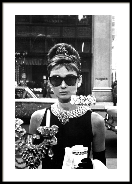 Breakfast at Tiffany's Poster no grupo Posters  / Fotos icónicas em Desenio AB (11973)
